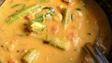 Chemmeen muringakka curry or Prawns drumstick curry