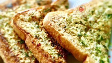Garlic bread on tawa