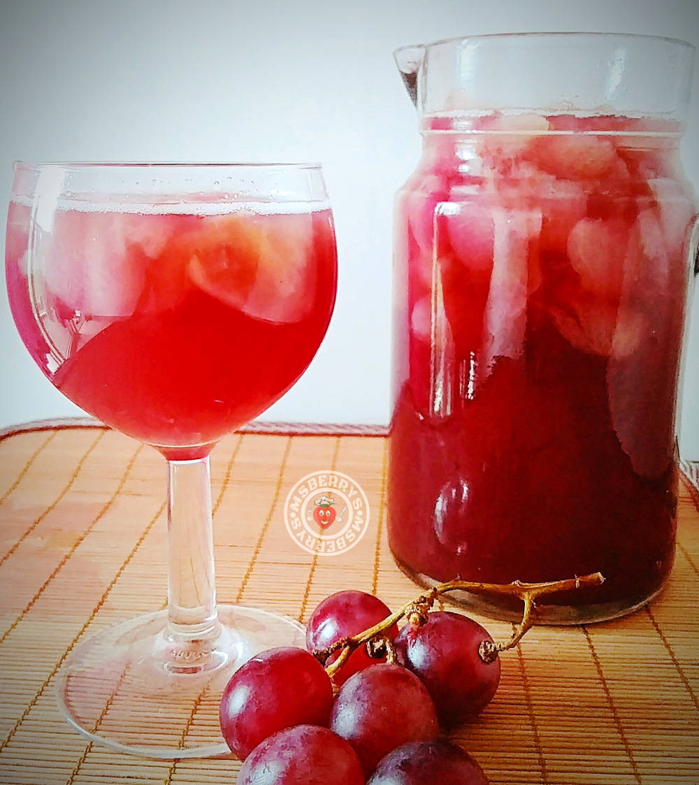 pulpy grapes juice